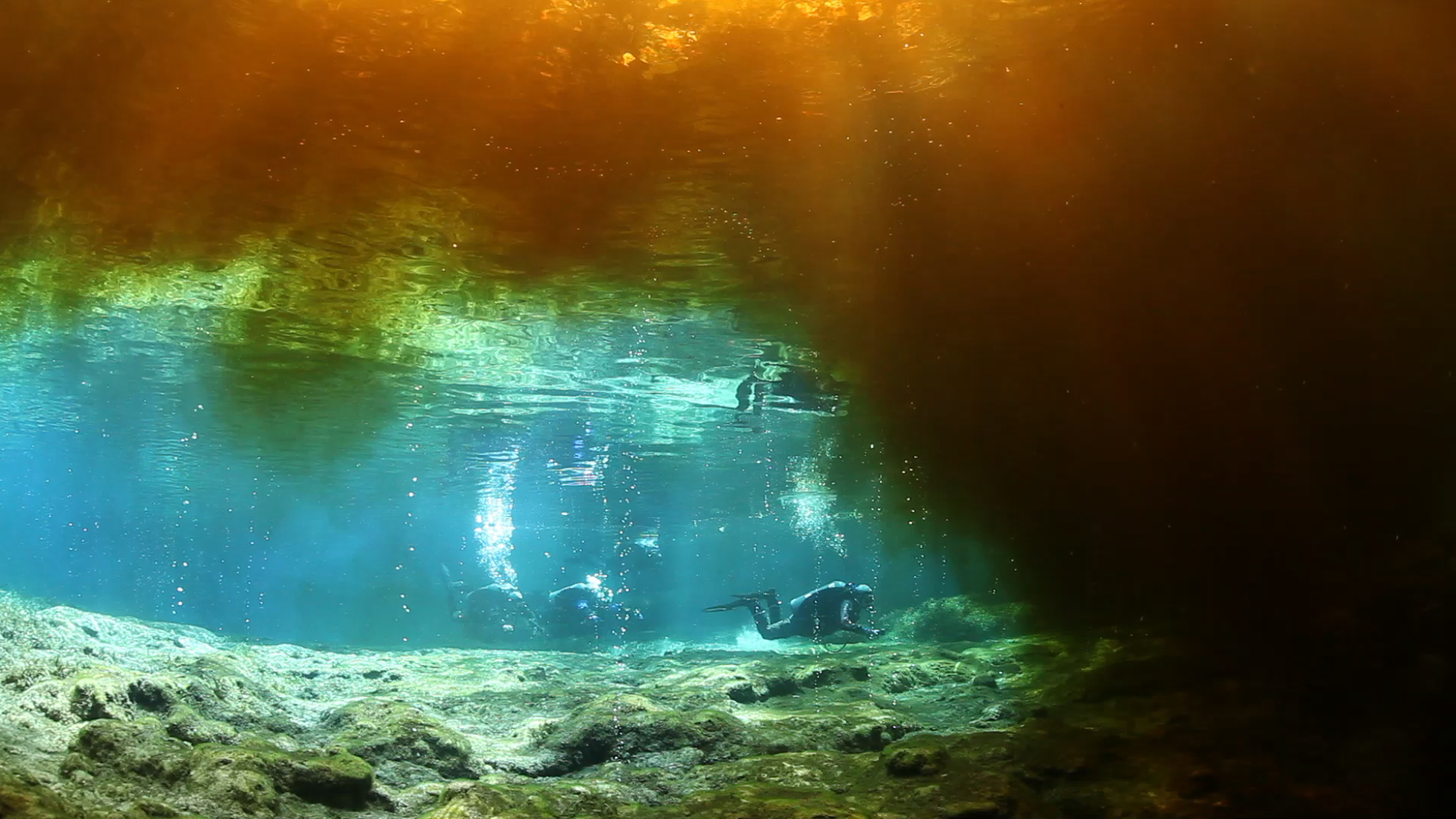 Divers heading for the Devil