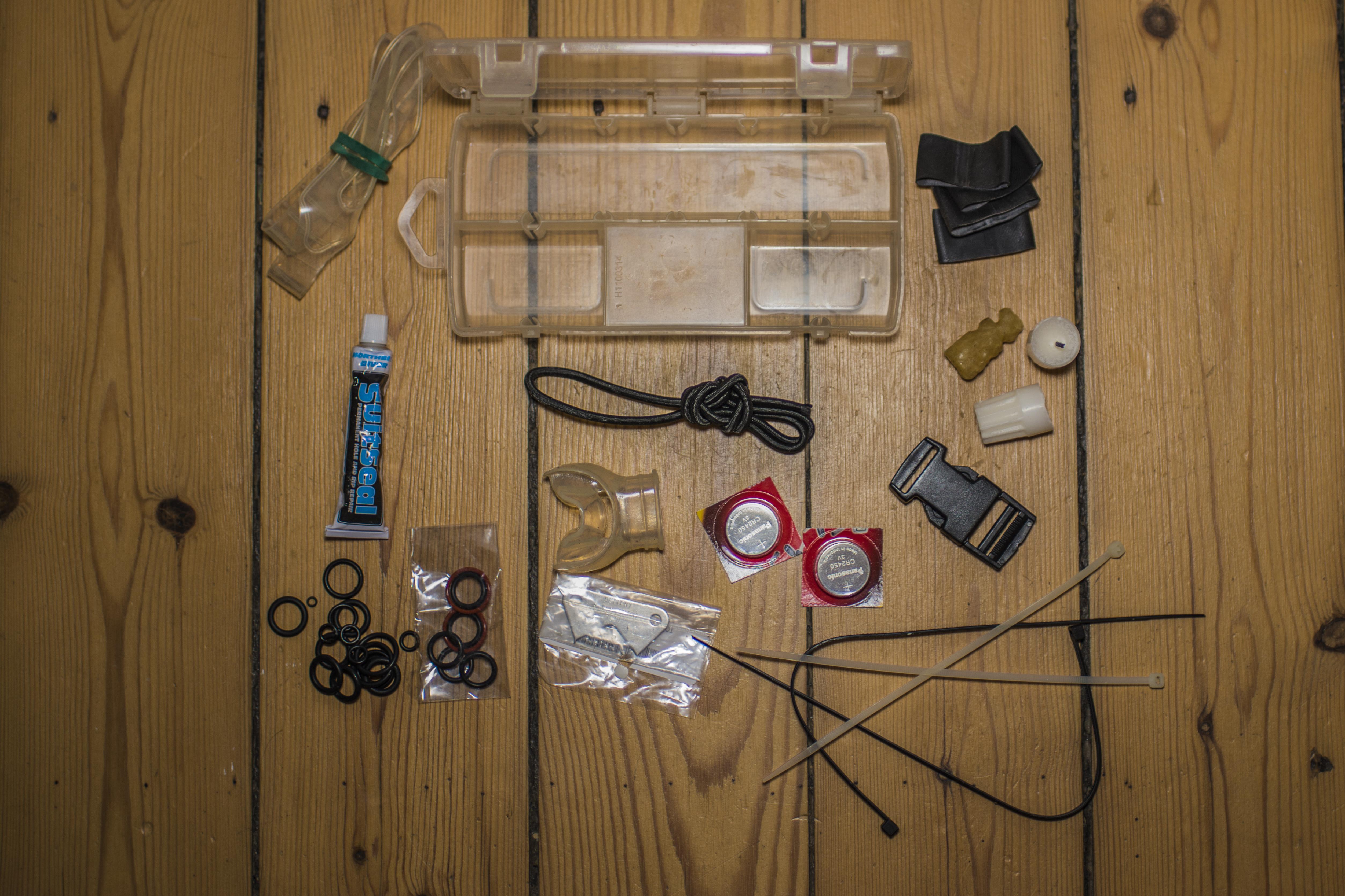 <b>Save-a-Dive Kit</b>